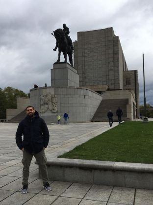 Photo in front of the huge Jan Žižka's statue